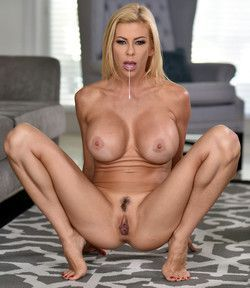 Alexis Fawx bige fake boobs and pussy