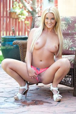 Pretty blonde teen Payton Simmons