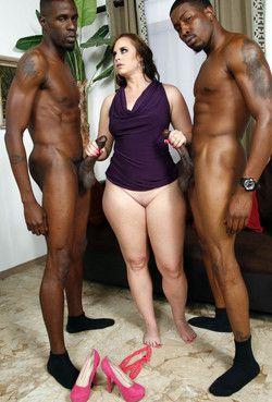 Big size woman was gangbanged and filled
