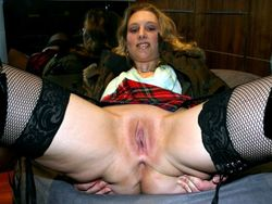 These mature women show their open..