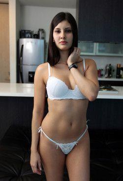 Sexy latina nubile Samanta Lopez...