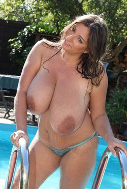 The big and bouncy boobs Nadine Jansen..
