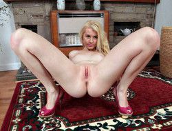 Young blonde babe Brook Logan takes..