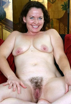 Auntjudys MILF denonstrating her hairy..