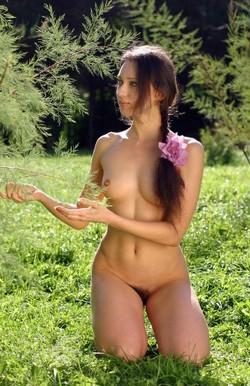 Cute Moscow girl Daria nude in the..