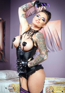 Fetish mistress Christy Mack hot session