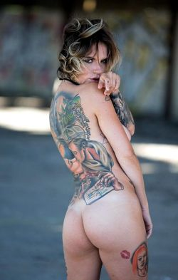 Tattooed hottie Stacy strips off in..